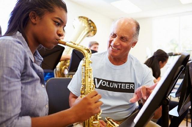 Die Bundesakademie Trossingen widmet sich vor allem der außerschulischen Musikerziehung, wie im Bereich der Jugendhilfe (© istock/monkeybusinessimages).
