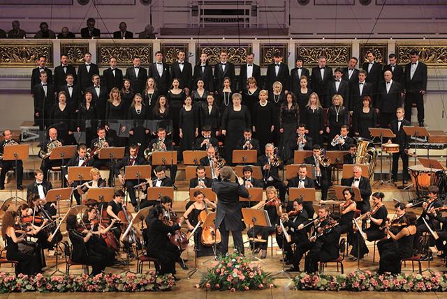 Seit zwölf Jahren begeistert der K&K Opernchor seine Zuhörer in ganz Europa.