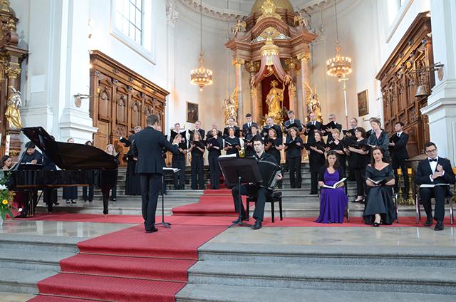 Der Chor der Pfarrei St. Margaret live.