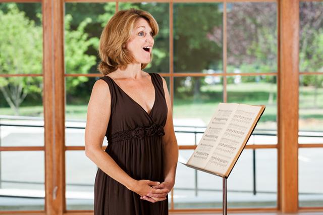 Zu Hause proben? Wie viel Professionalität wird von Hobby-Sängern in Chören erwartet?