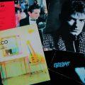 Verschiedene Falco-LPs, die frei angeordnet sind.