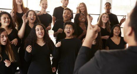 Jugendchor übt Stimmbildung