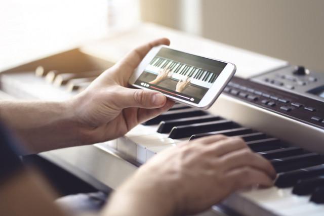 App zum Klavier lernen