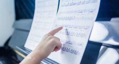 Noten am Klavier